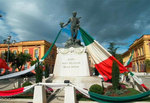 Monumento ai Caduti - Torremaggiore (FG) - Foto di Ciro Panzone - www.torremaggiore.com -