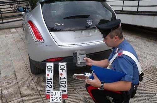 Lancia Delta rubata elude posto di blocco dei Carabinieri a Torremaggiore,preso dopo inseguimento