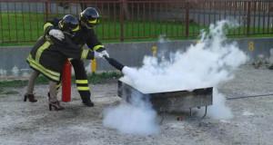 Corso antincendio alla Scuola Emilio Ricci di Torremaggiore