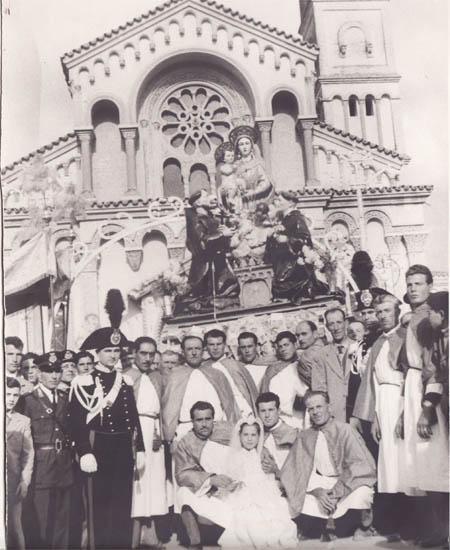 Portatori Madonna della Fontana Torremaggiore (Fg) - Anno 1947 - www.torremaggiore.com -