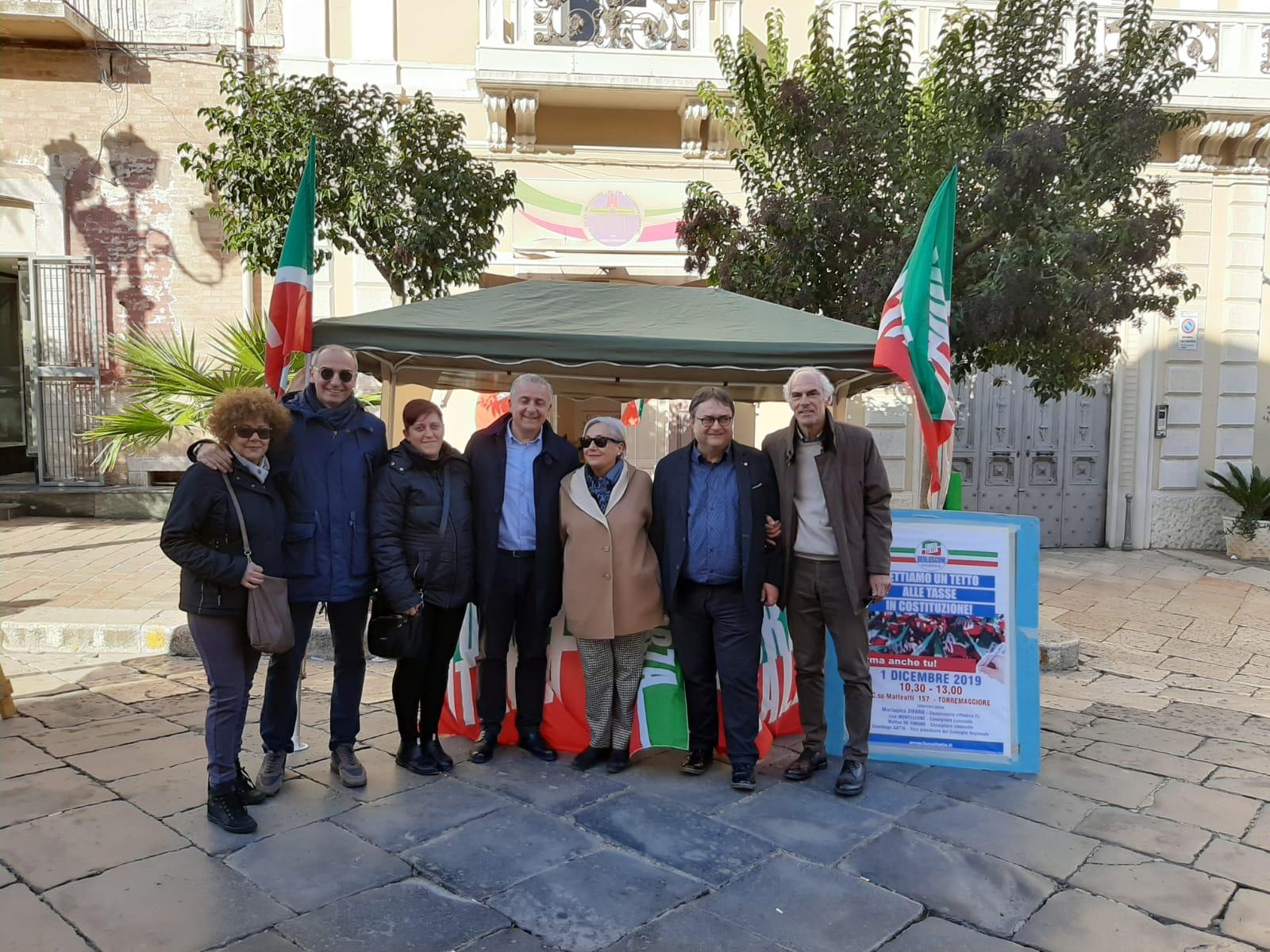 Torremaggiore: Forza italia in piazza per Agire