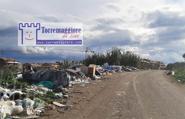 Nuovi rifiuti abbandonati nel quartiere Spirito Santo a Torremaggiore: fermate gli incivili !