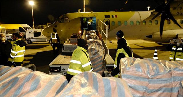Arrivate all'aeroporto di Bari duecentomila mascherine chirurgiche alla Puglia dalla Cina dal Governatore della Provincia di Guandong e dal Distretto di Futian