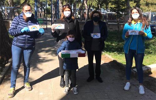 Realizzate mascherine da due sarte a Torremagggiore, donate al Centro Operativo Comunale presso la Polizia Locale