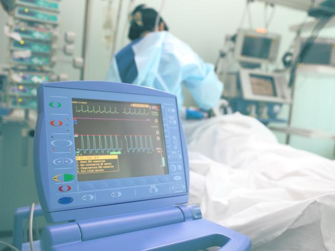 Coronavirus Covid-19, ecco il piano di emergenza della Regione Puglia per aumentare i posti letto di terapia intensiva