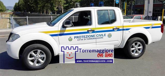 A Torremaggiore il pick up Nissan della Protezione Civile con il megafono invita tutti a restare a casa