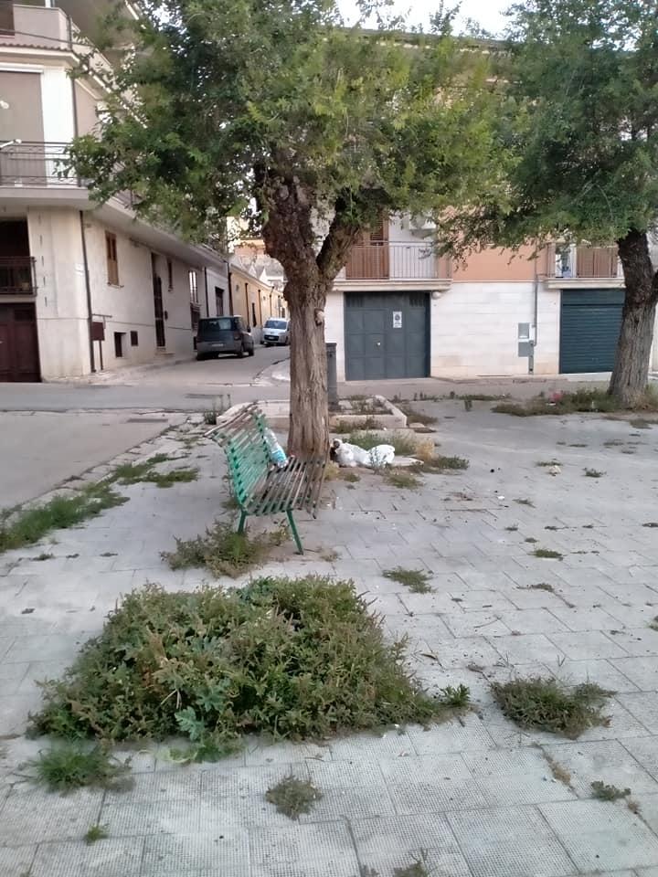 Torremaggiore: i residenti di Via Foggia e Via Montebello lamentano il degrado nell'area verde