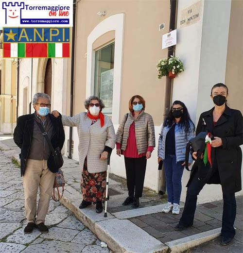 ANPI di Torremaggiore: deposte le piantine commemorative sotto le targhe di vie e piazze dedicate ad antifascisti/e e partigiani/e